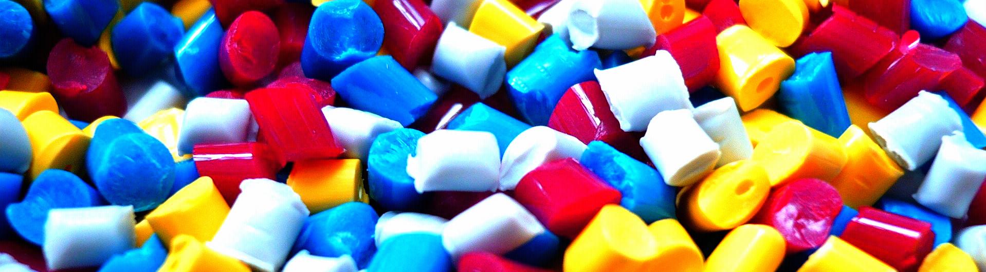 plastic-1061731_1920