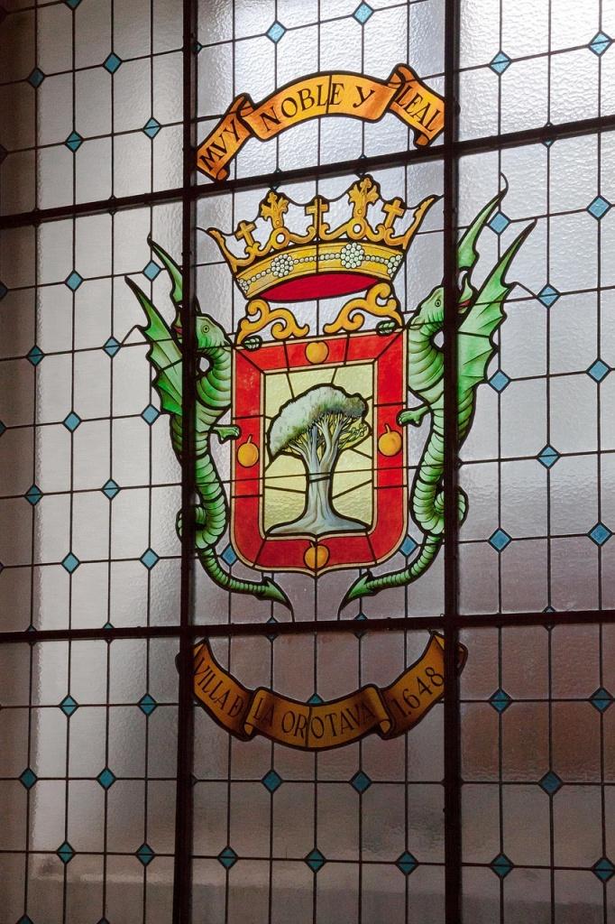 lead, lead paint, lead glass, leaded glass, lead glass, glass window
