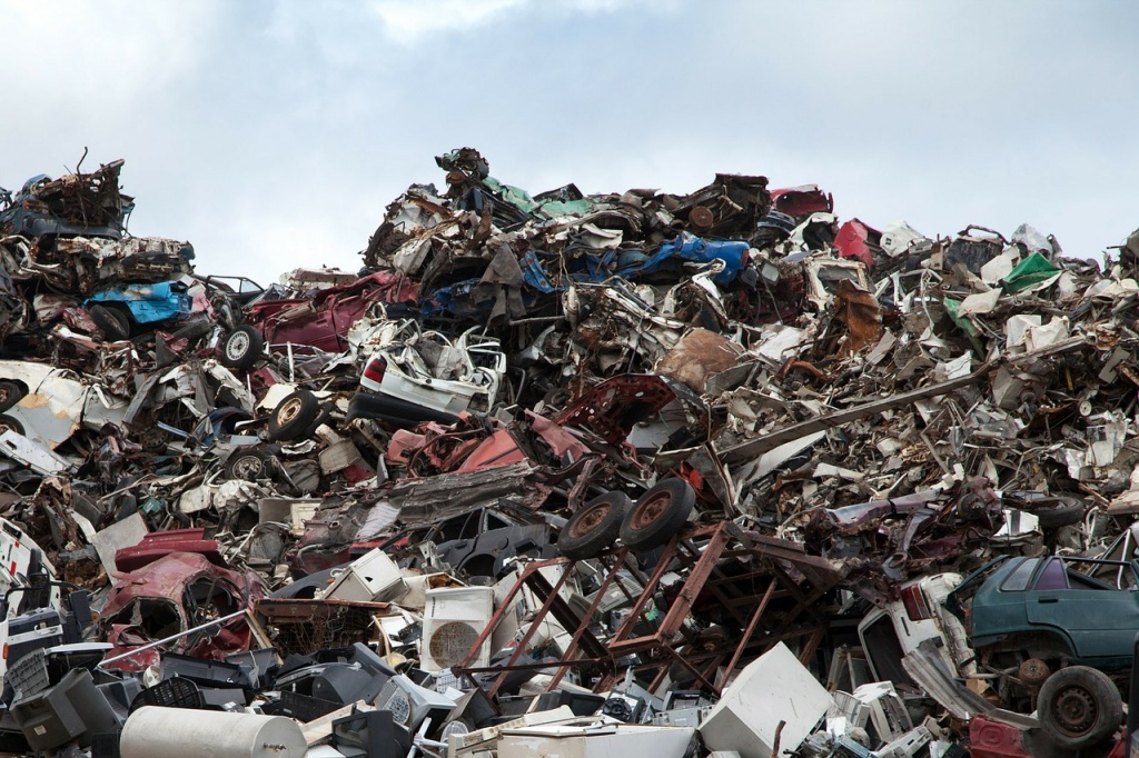 scrapyard car recycling